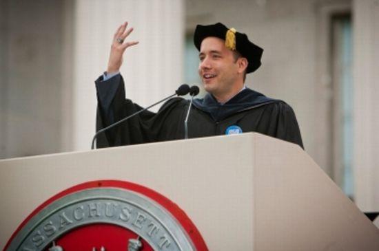 MITの卒業式でDropbox創業者が語った人生を成功させるための3つのポイント