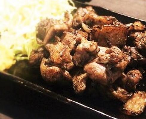 地鶏の炭火焼 Charcoal fire firing of the native chicken
