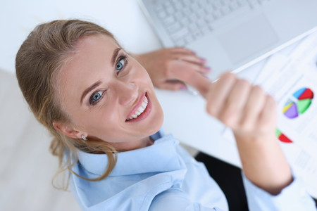 財務会計や経理部門の人が転職をする際に有利になる資格とは?